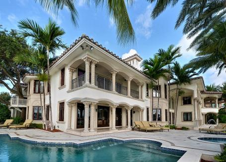 Las Olas Isles Vacation Rental Mansion