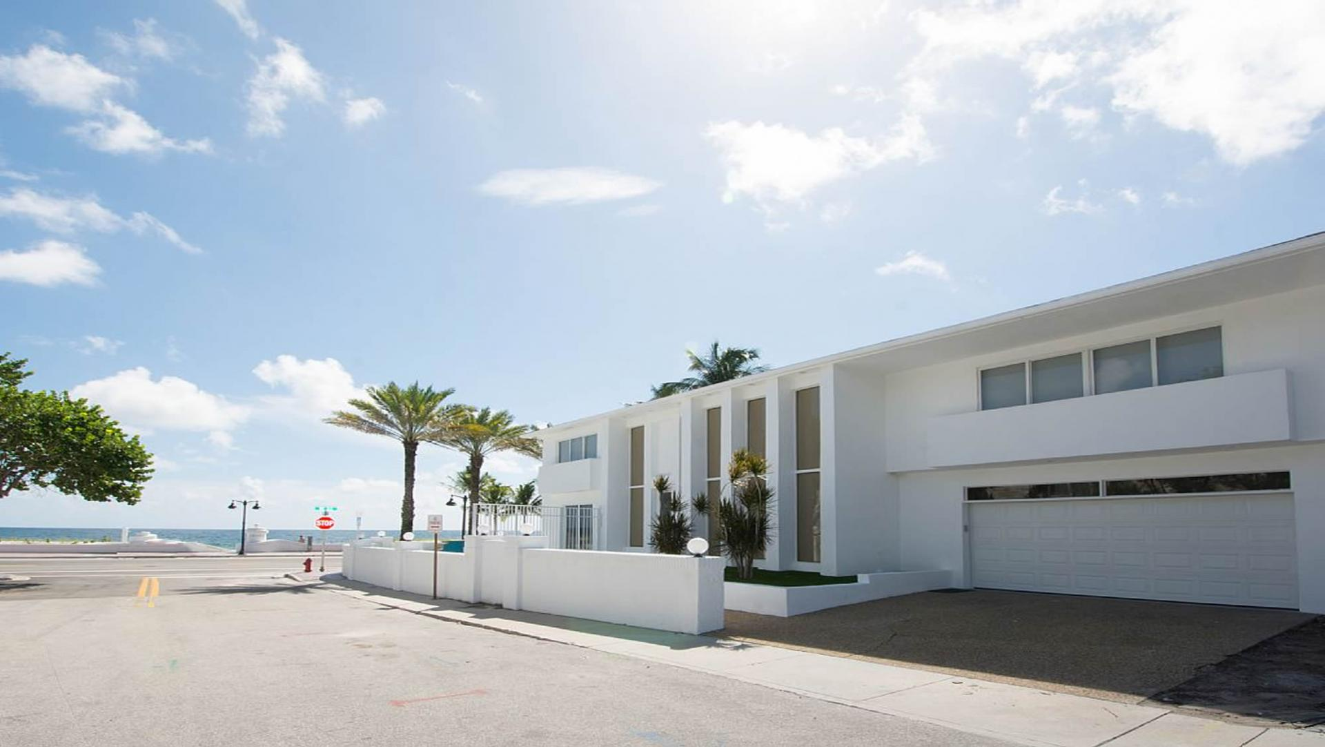 Rent this fort lauderdale beach vacation rental villa for Amazing holiday rentals